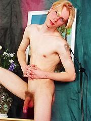 Blond twink Alexej posing naked