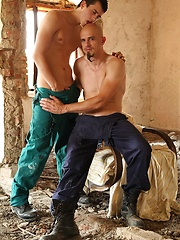 Young gay fucking with bald daddy
