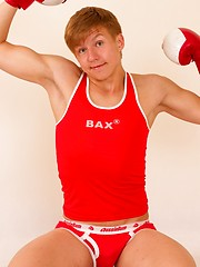 Pretty twink Donny Miller waits for you to have fun