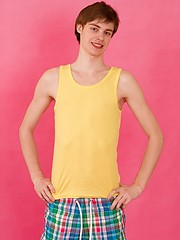 Exclusive photos of a straight 18 y.o. man Joel Martin are right here